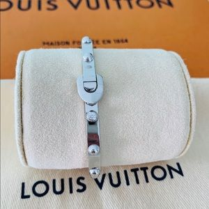 Louis Vuitton Clous